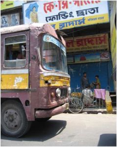 Kolkata: Old buses and trucks banned from city streets (Is this really the way to go?)