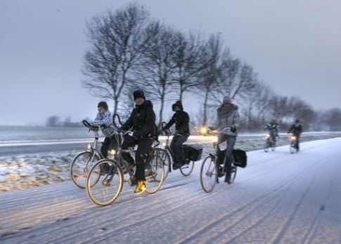 netherland cyclists winter