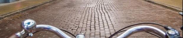 cropped-canada-montreal-cobble-stone-street-bike.jpg