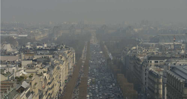 France Paris pollutoin alert - traffic 23mar15