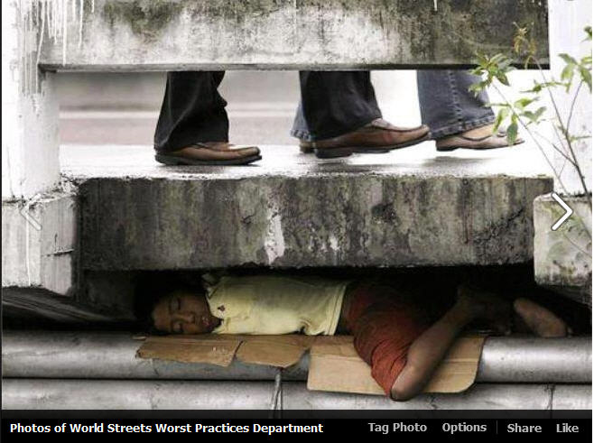 wpd-sidewalk man sleeping