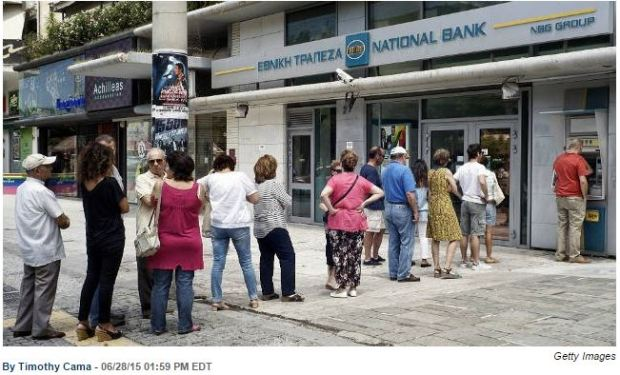 Greece line in front of bank 28jun15
