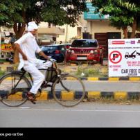 INDIA GUARGON CAR FREE DAY BICYCLIST