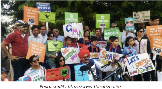 INDIA GUARGON CAR FREE DAY signs