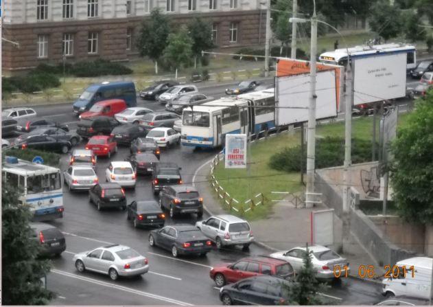 Moldovia Chisinau morning traffic