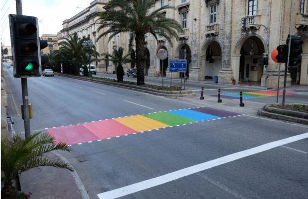 malta-street-crossing-rainbow-saety
