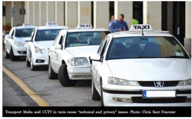 malta-taxis-waiting