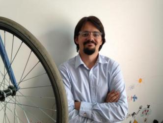 Carlos felipe pardo with bike wheel