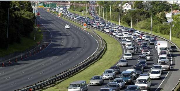 New-Zealand-Auckland-rush-hour-traffic